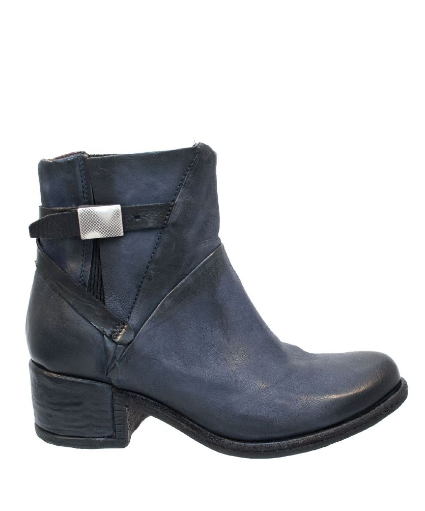 AS 98 Opea Boots m Spenne