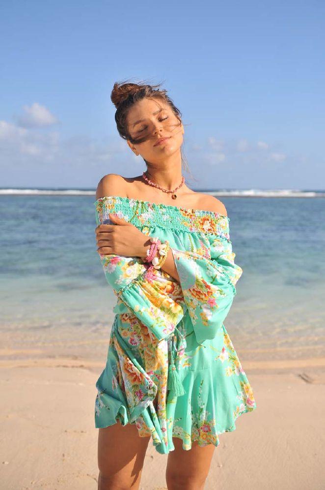 Hot Lava Faye Island Rose kjole