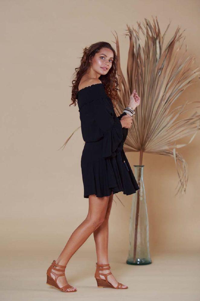 Hot Lava Faye Off Shoulder kjole