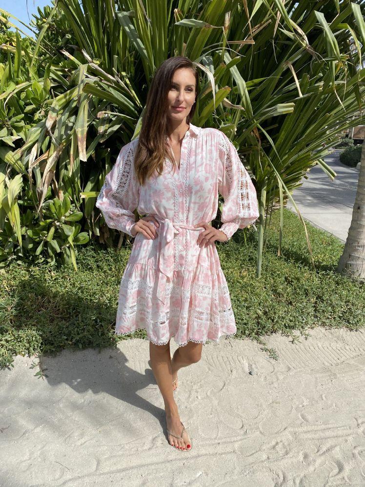 Miss June Studio kjole