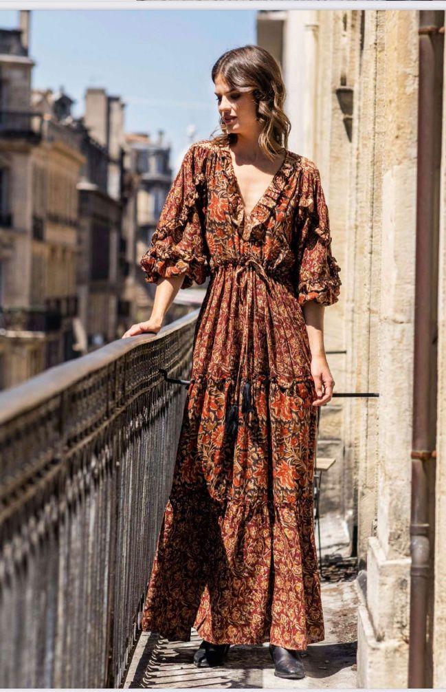 Miss June Bao lang kjole