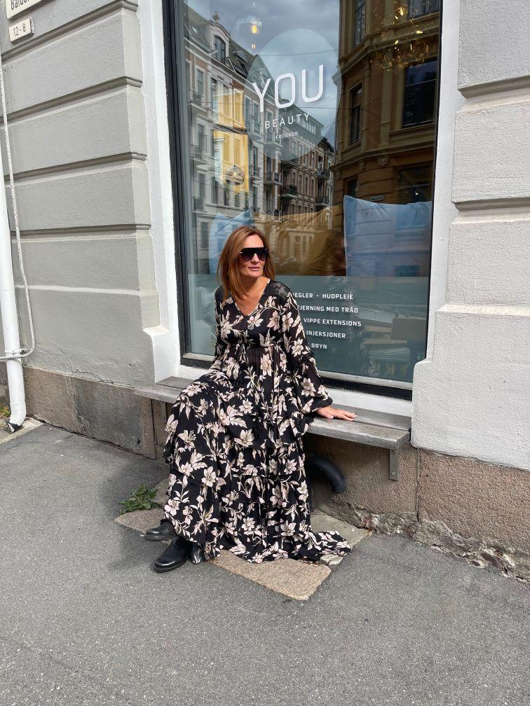 Miss June Cortese lang kjole